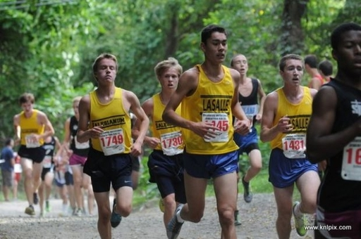 Cross Country Team Wins Division 1 Title at Briarwood Invitational