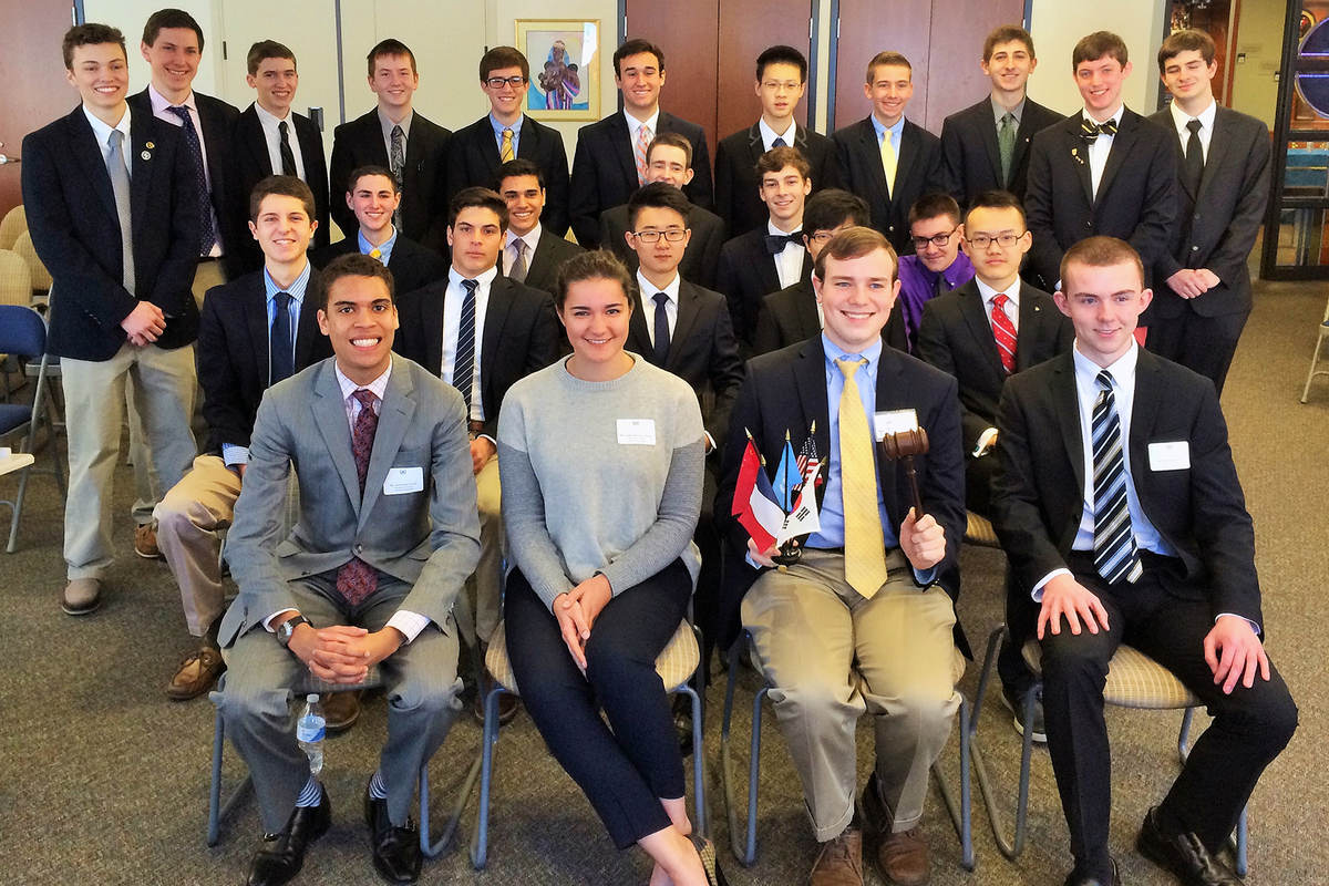 Global Studies Club Hosts De La Salle Model United Nations