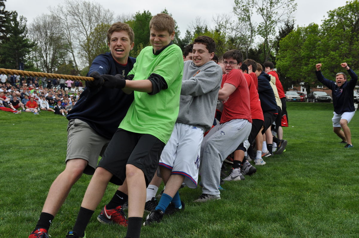 Field Day Honors the Memory of Beloved Teachers - Homeroom 10D Crowned as Champions