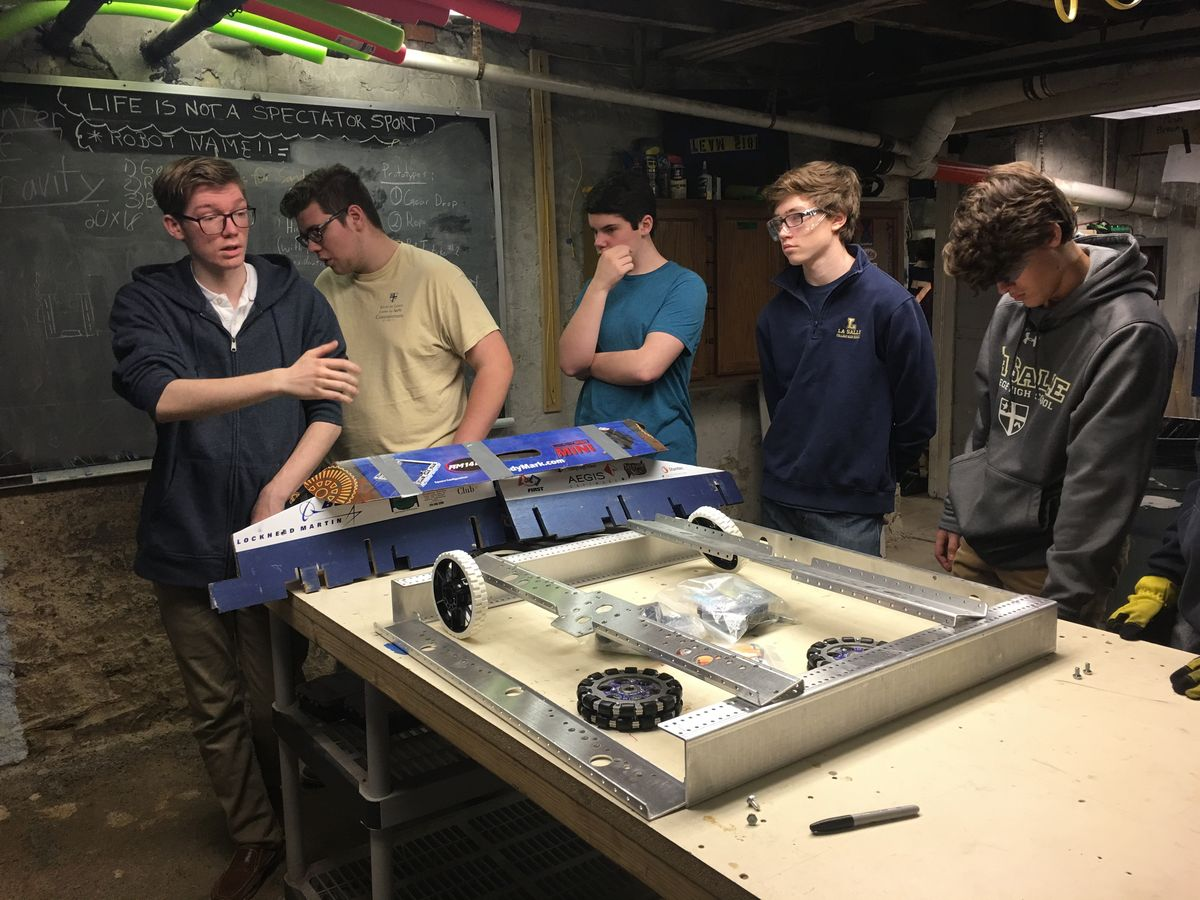 Robotics Team Kicks Off The 2017 Season
