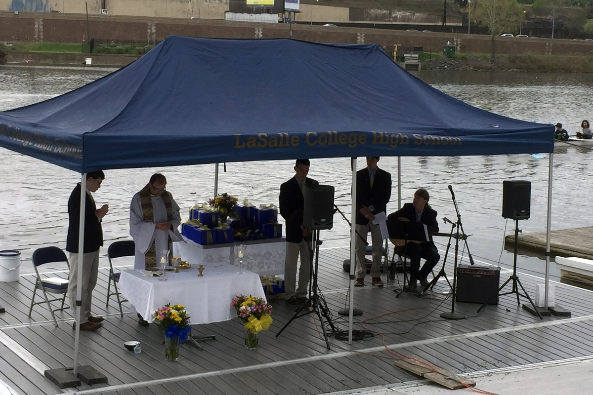 Rowing Program Celebrates Mass On The River