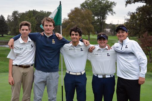 Golf Team Advances to State Finals