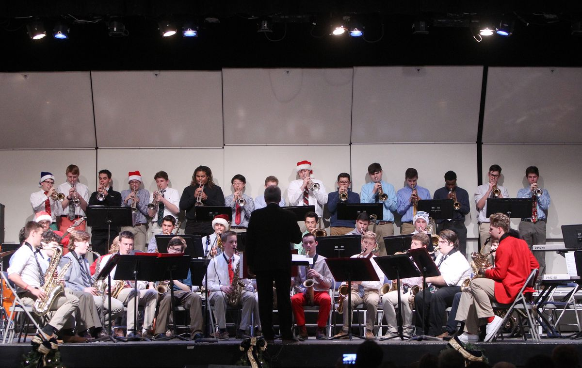 Music Department Kicks Off The Christmas Season at La Salle