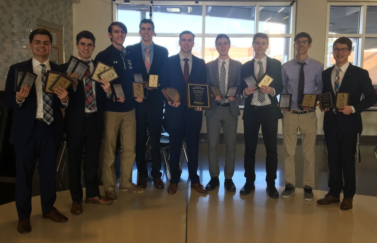Speech & Debate Team Qualifies Eight Students to Nationals