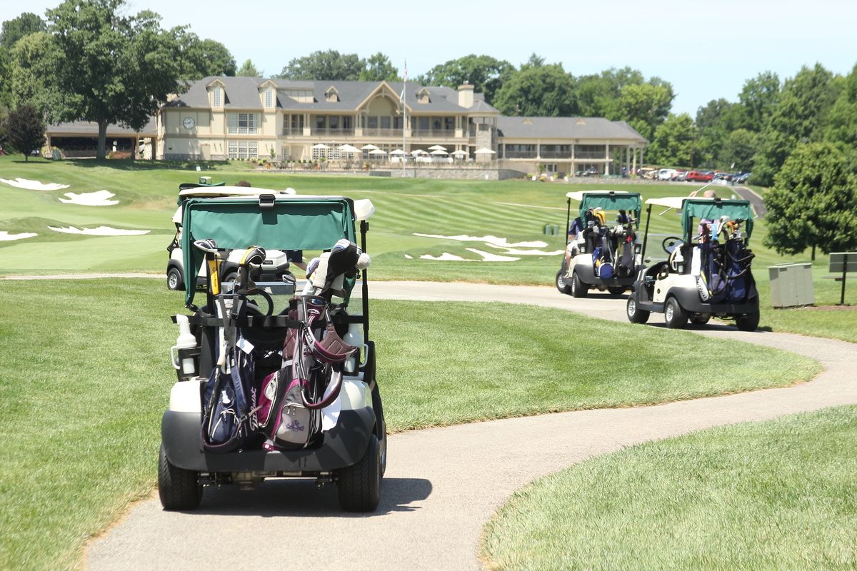 Alumni Gather For Annual David T. Diehl Scholarship Golf Outing